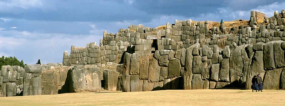 Complejos Arqueológicos milenarios en Cusco