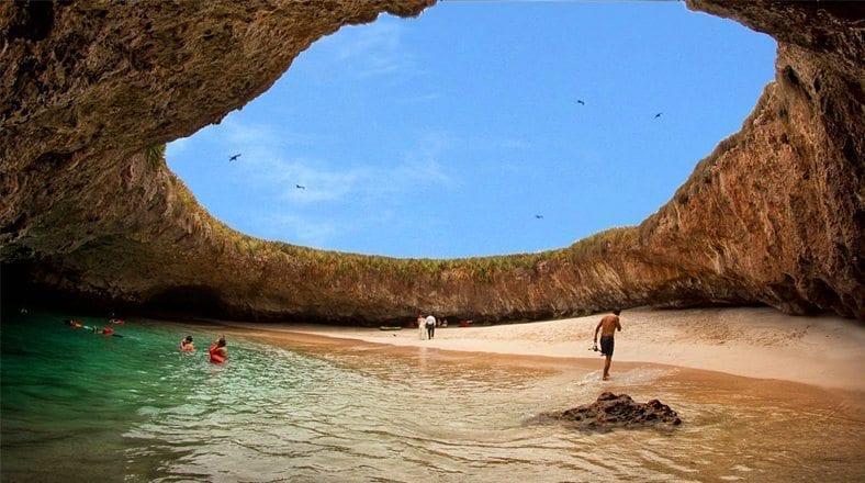 Una playa escondida en el norte chico que te sorprenderá